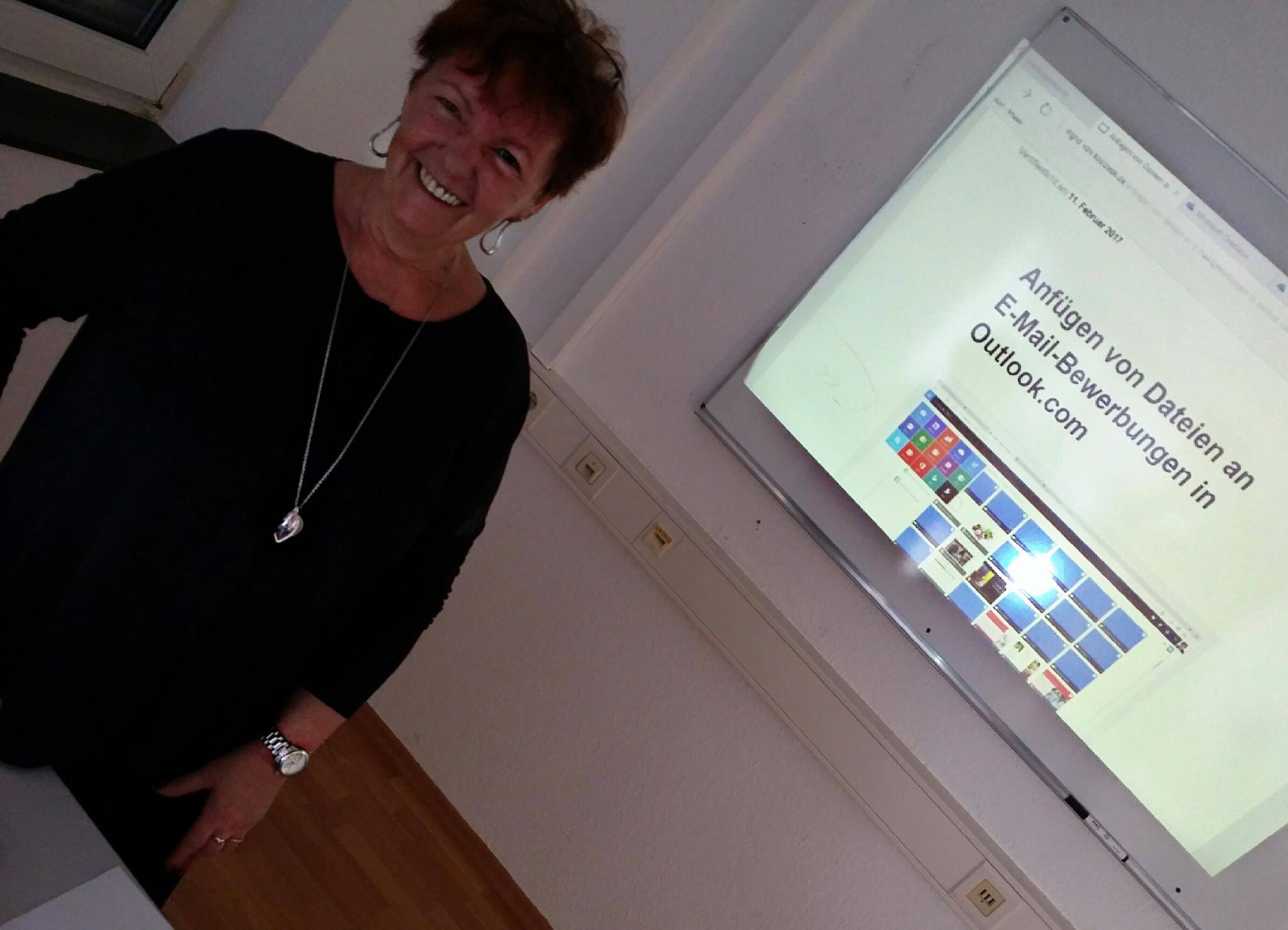 Ingrid Crone - IT Trainer, Dozentin, Job Coach: https://unterricht-am-eigenen-computer.de/